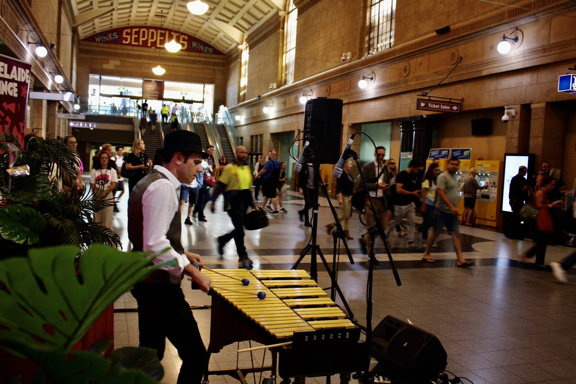 FRINGE PERFORMERS TO SURPRISE TRAIN PASSENGERS AT ADELAIDE RAILWAY STATION